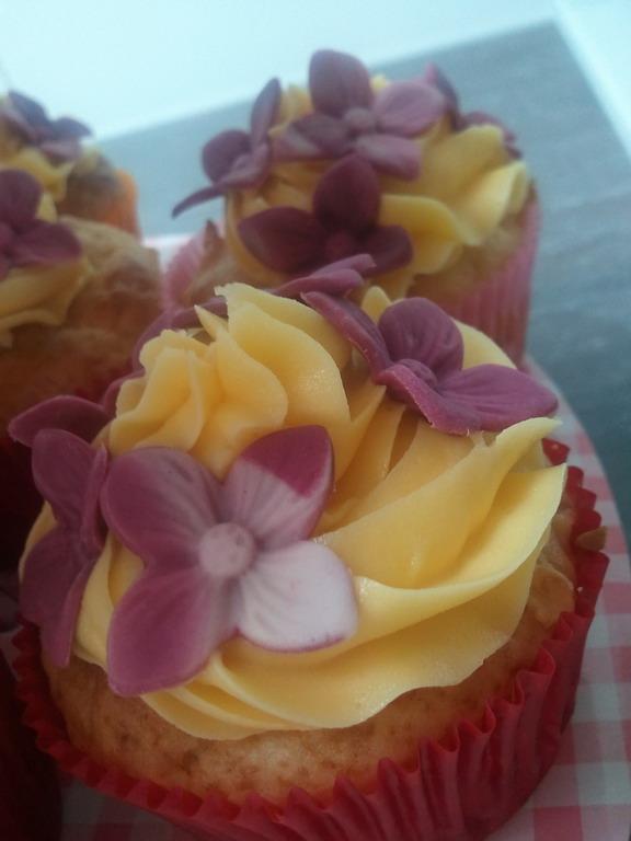 Apfel-Buttercreme-Cupcakes - LUXUS-Torten